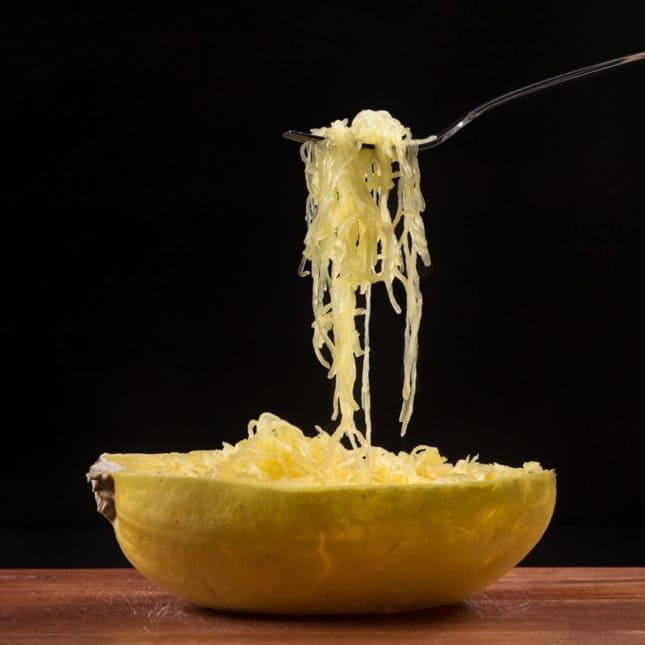 Instant Pot Spaghetti Squash (Pressure Cooker Spaghetti Squash) in 15 mins! Low carb, gluten free, paleo substitute for pasta.