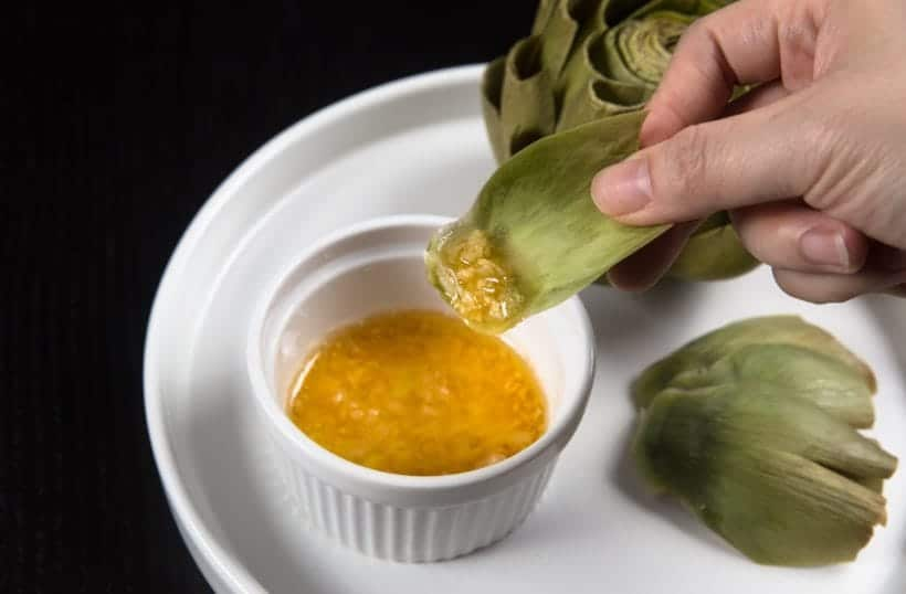 Fresh artichokes with butter garlic dipping sauce