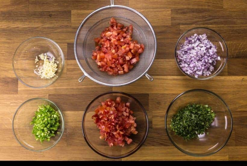 Mexican Homemade Salsa Recipe (Pico de Gallo): preparing the Salsa Fresca ingredients