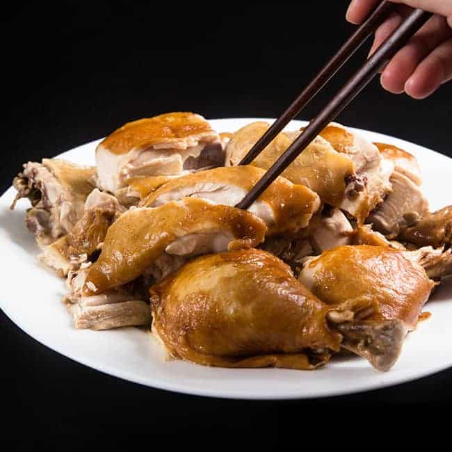 Easy Instant Pot Chicken Recipes (Pressure Cooker Chicken Recipes): Instant Pot Soy Sauce Chicken Recipe