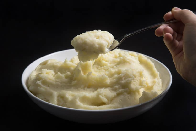 Instant Pot Mashed Potatoes: how to make the best homemade mashed potatoes with 4 simple ingredients. Creamy smooth, fluffy and buttery spoonful of heaven.