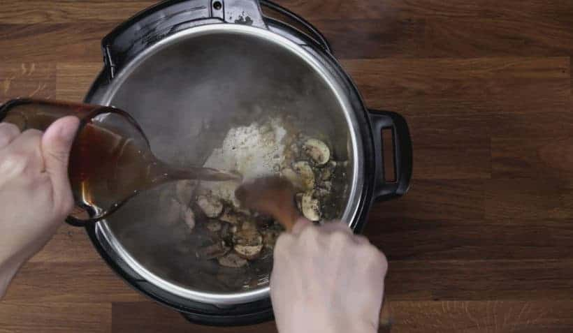 how to deglaze Instant Pot Pressure Cooker with chicken stock