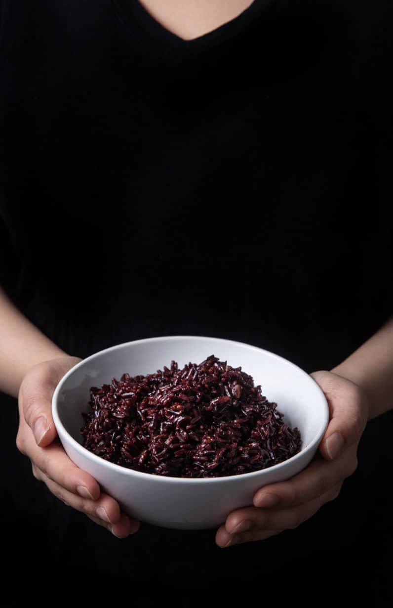 Nutritious Instant Pot Wild Rice Recipe (Pressure Cooker Wild Rice): learn how to make wild rice in half the cooking time. Perfectly tender wild rice with a chew, packed with nutty flavors, and sweet aroma. High Protein, high dietary fiber, low fat. #instantpot #instapot #pressurecooker #instantpotrecipes #powerpressurecooker #rice #vegan #glutenfree #paleo #recipes