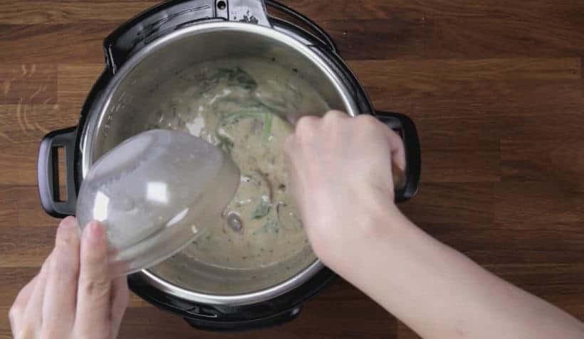 Instant Pot Tuscan Chicken Recipe (Pressure Cooker Tuscan Garlic Chicken): thicken creamy Tuscan Garlic Chicken Sauce with cornstarch