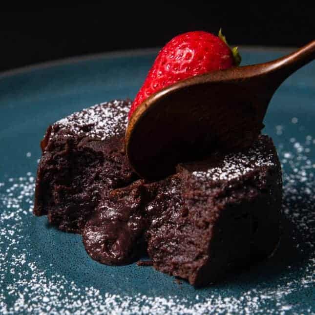 Instant Pot Thanksgiving Recipes: Instant Pot Lava Cake (Pressure Cooker Chocolate Lava Cake)