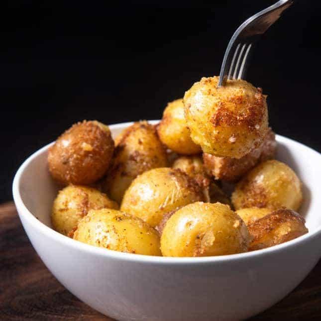 Instant Pot Christmas Recipes: Instant Pot Roasted Potatoes (Instant Pot Baby Potatoes)