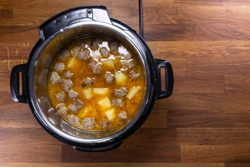Instant Pot Zuppa Toscana Recipe | Pressure Cooker Zuppa Toscana Soup | Instant Pot Sausage Kale Potato Soup: pressure cooked zuppa toscana