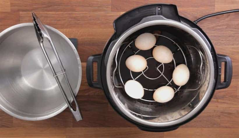 Instant Pot Chinese Tea Eggs: place pressure cooked eggs in ice cold waterbath #instantpot #recipe
